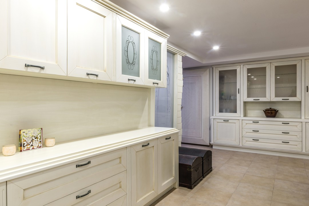 installer un placard et des tag res dans sa cuisine. Black Bedroom Furniture Sets. Home Design Ideas